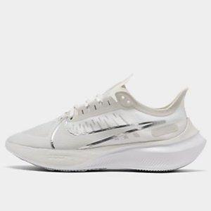 NEW Nike Zoom Gravity * 10